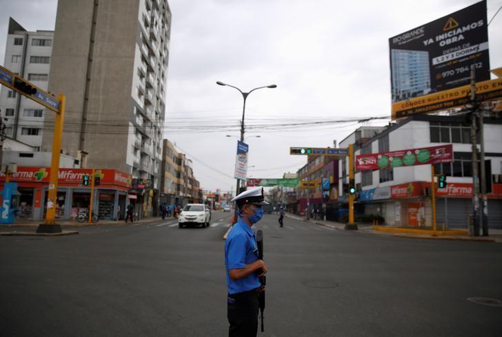 Peru Anuncia Toque De Queda Nocturno Para Frenar Contagios De Coronavirus Reuters