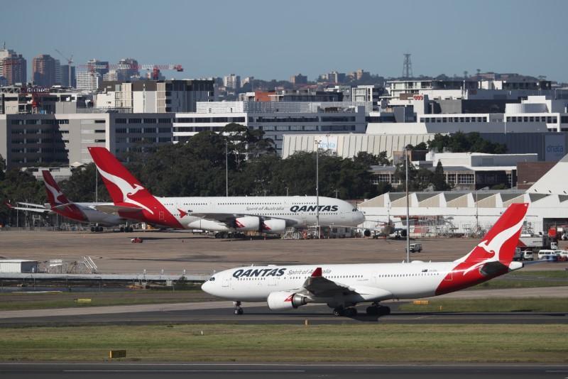 Qantas to cease international flying, tells majority of workforce to take leave