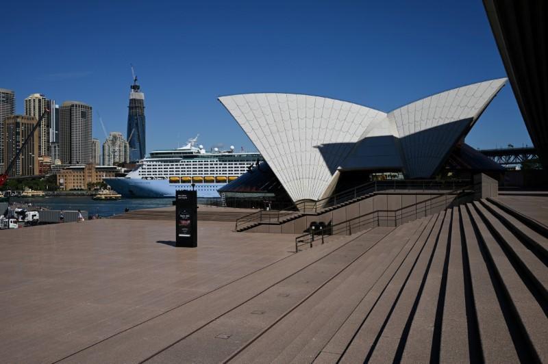 Australia takes stimulus to 10% of GDP and orders closures to combat coronavirus