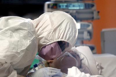 World races to contain coronavirus pandemic