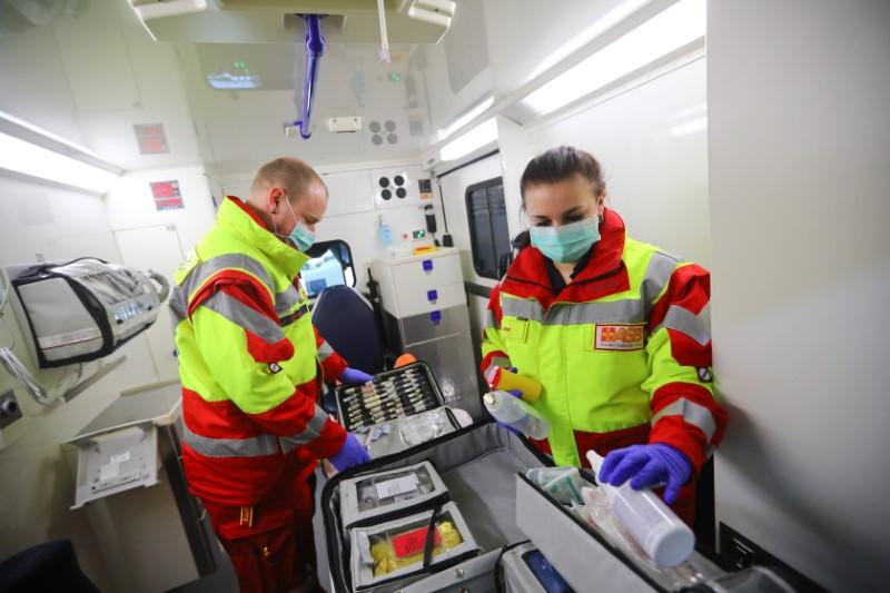 Germany treats first Italians as coronavirus care crosses borders