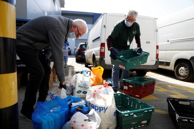 More than 158,000 volunteer to help UK fight coronavirus: ITV