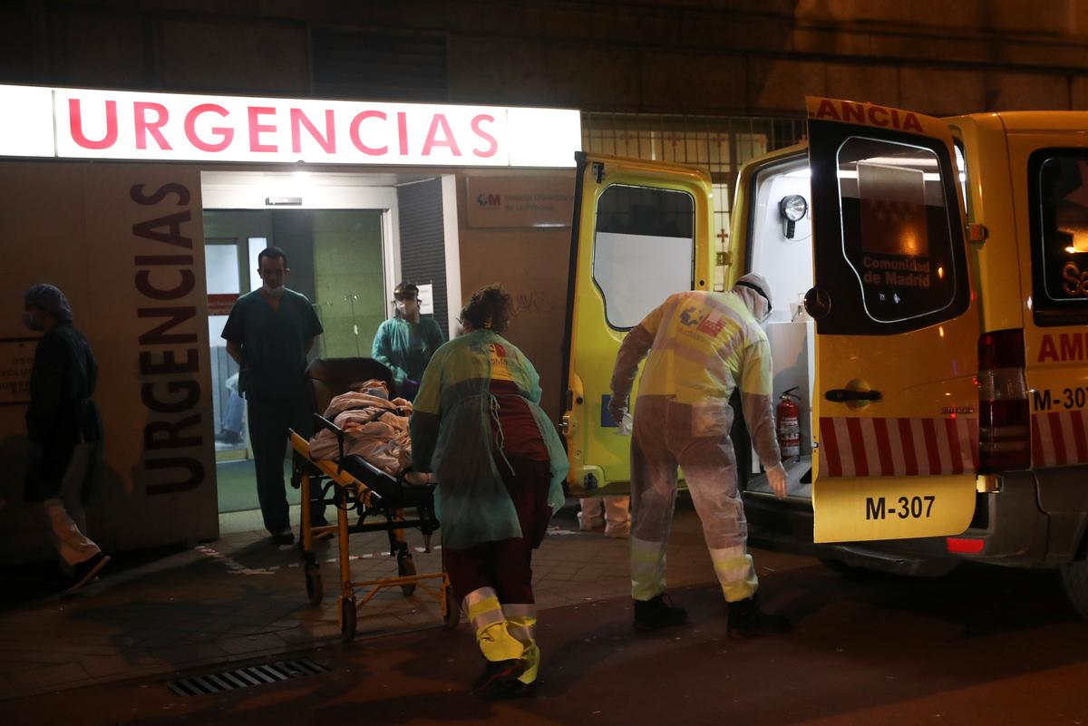 Spain extends state of emergency until April 12 as coronavirus crisis worsens