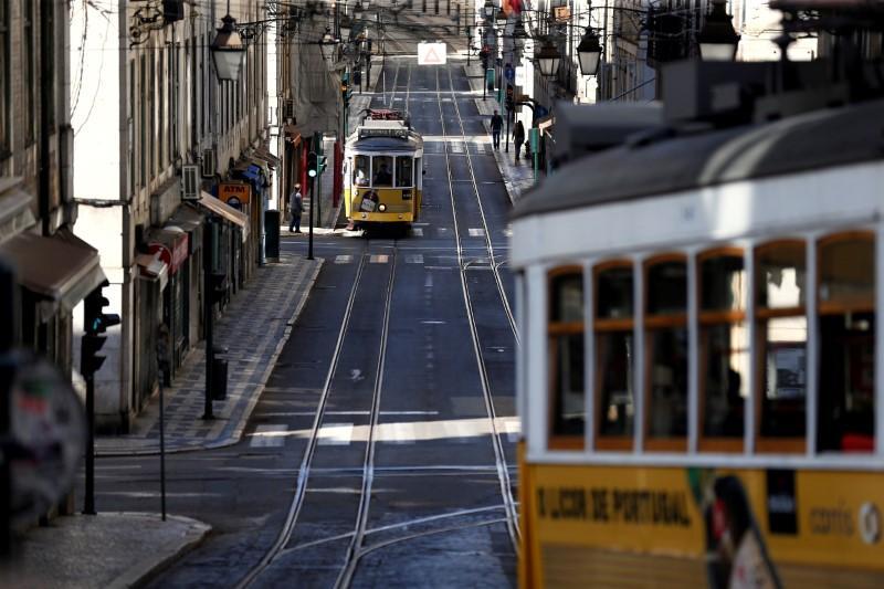 Portugal announces new measures to help firms, families through coronavirus crisis