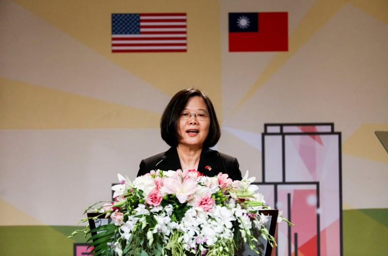 U.S. increases support for Taiwan, China threatens to strike back