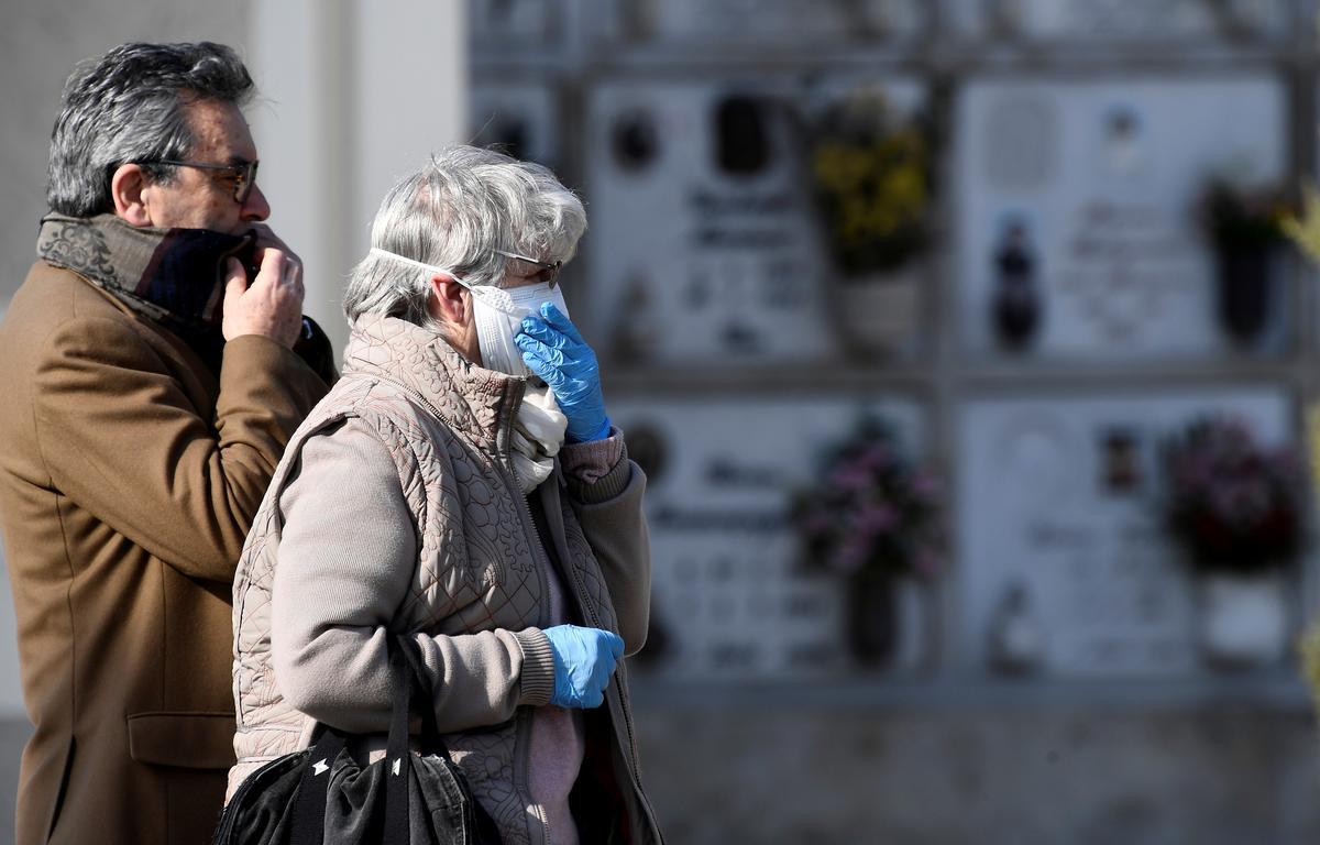 Lombardy coronavirus deaths near 6,000 as Italy mulls extending lockdown