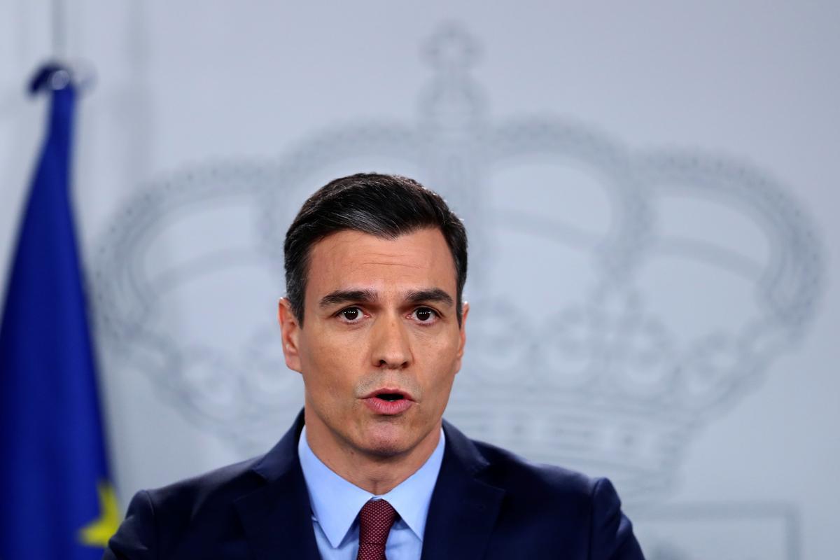 Spanish PM announces stricter lockdown measures to tackle coronavirus