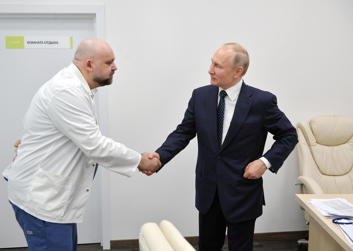 Russian doctor who met Putin last week diagnosed with coronavirus