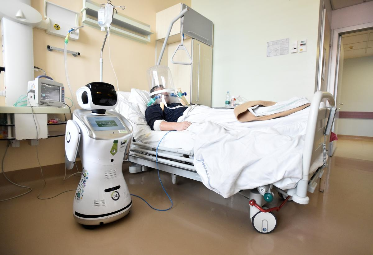 Tommy the robot nurse helps keep Italy doctors safe from coronavirus