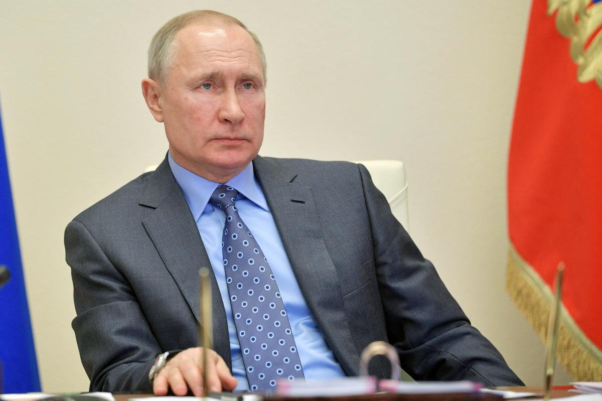 Putin grants government emergency powers to fight coronavirus