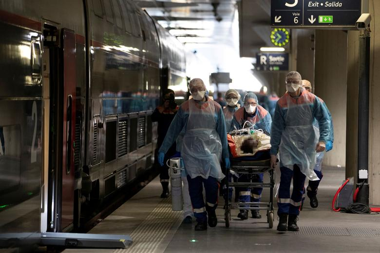 France Passes 4 000 Coronavirus Deaths No End Of Lockdown In Sight Reuters Com