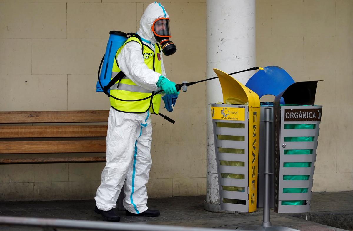 """Spain's coronavirus deaths rise above 10,000, yet there's """"glimpse of hope"""""""