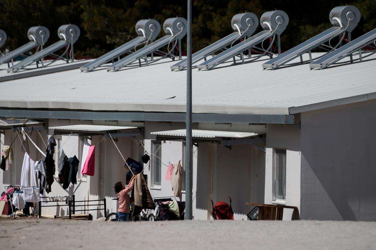 Greece quarantines second camp after coronavirus case confirmed