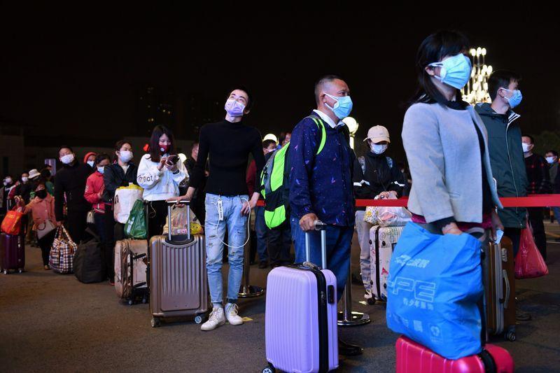 مدينة ووهان الصينية ترفع قيود كورونا وتسمح بالمغادرة - Reuters