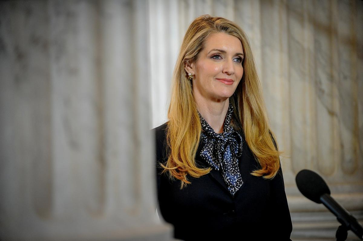 U.S. senator to liquidate individual stock shares after coronavirus flap