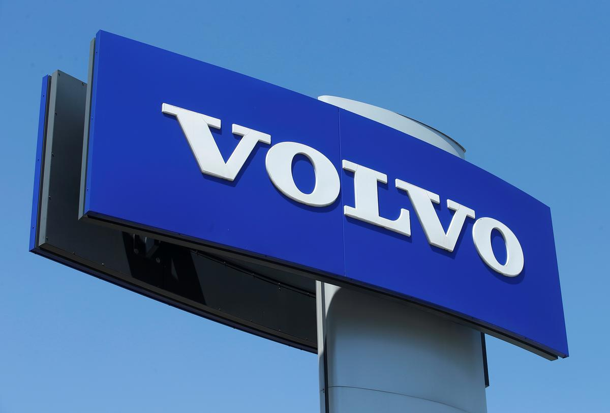 Volvo Cars to restart production in Sweden next week