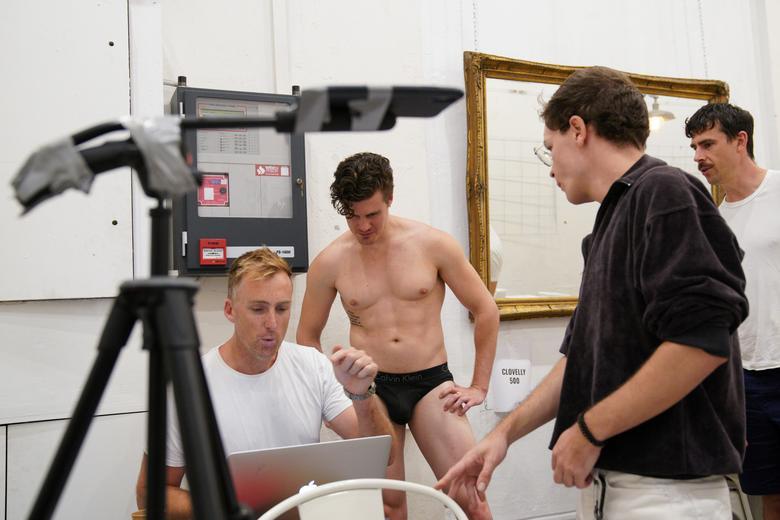 Australian Nude Drawing Classes Move Online Amid Coronavirus Reuters Com