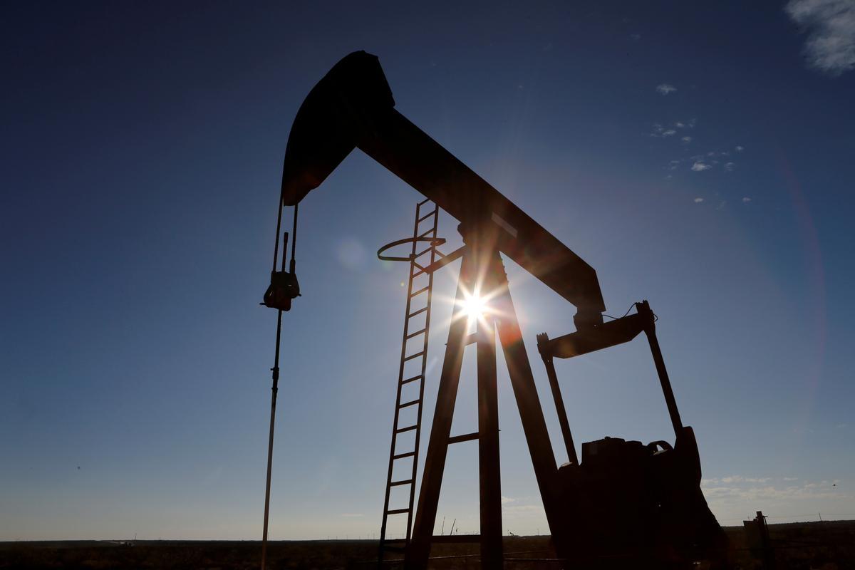 U.S. oil futures plumb historic lows below zero, Brent plunges
