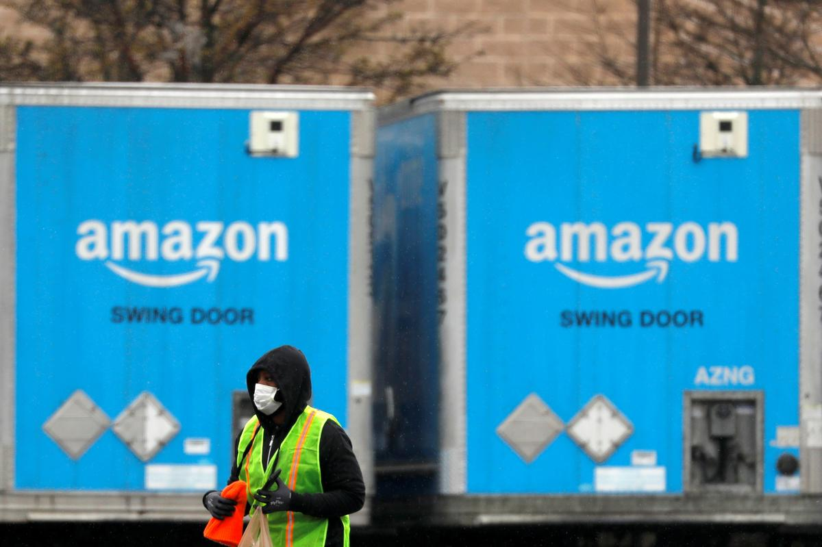 Amazon staff take off work to raise safety concerns in pandemic: coalition