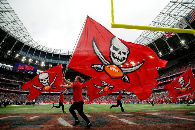 TAMPA BAY BUCCANEERS NFL FLAG  London-game 2019  FAN  FLAG
