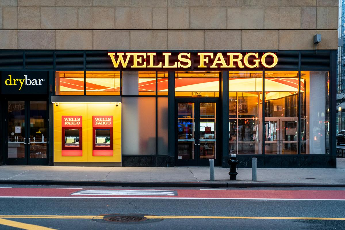 Exclusive: Wells Fargo shifts energy bankers to focus on bankruptcies