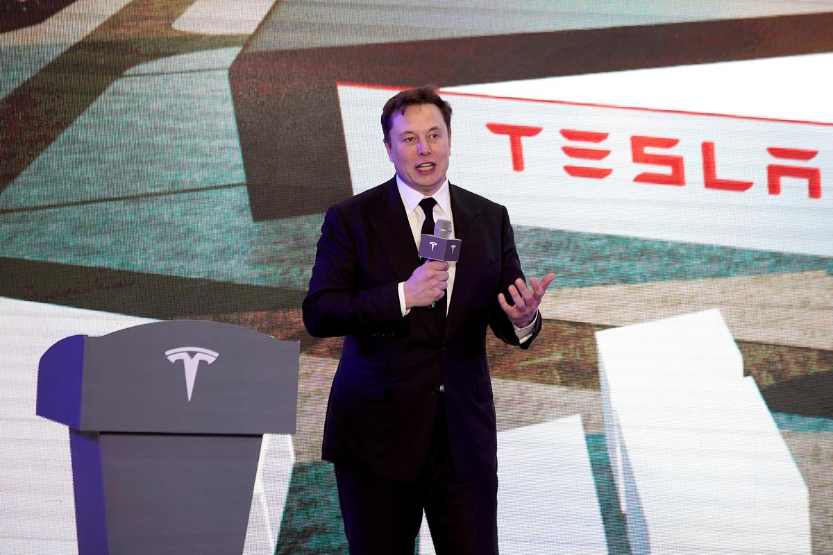 Amid lockdown dispute, Musk says he will move Tesla out of California