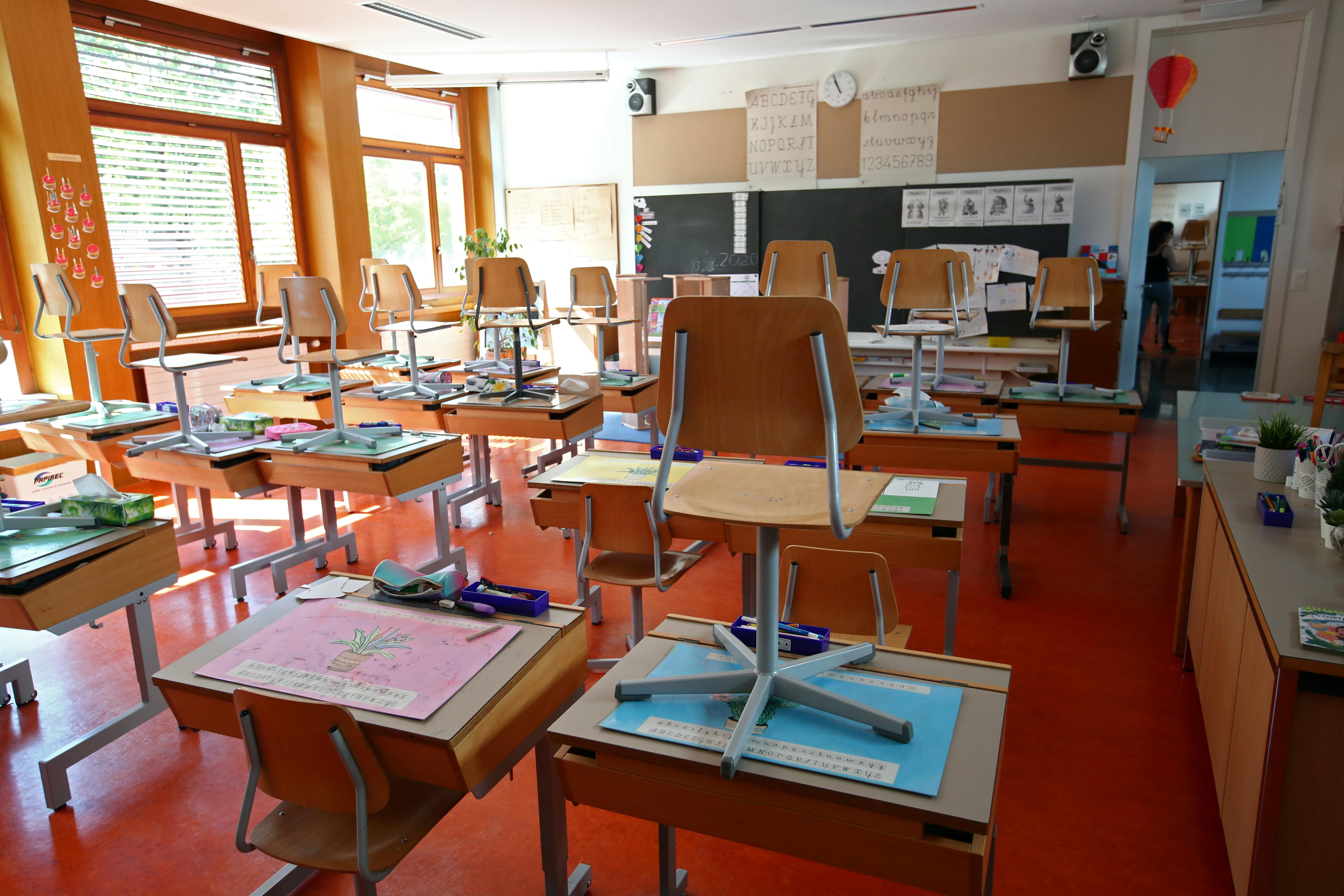 Swiss back-to-school angst illustrates worries around easing lockdowns