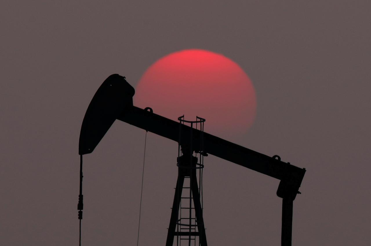 Oil rises on lower U.S. stocks, firmer demand - Reuters