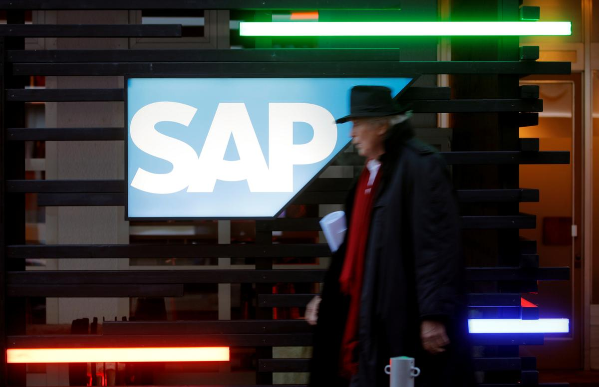 SAP expects to stick to dividend policy