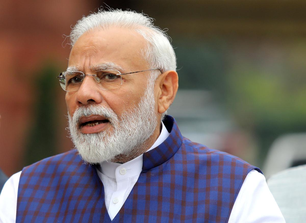 Indian PM offers help to cyclone stricken Kolkata, Bangladesh counts cost