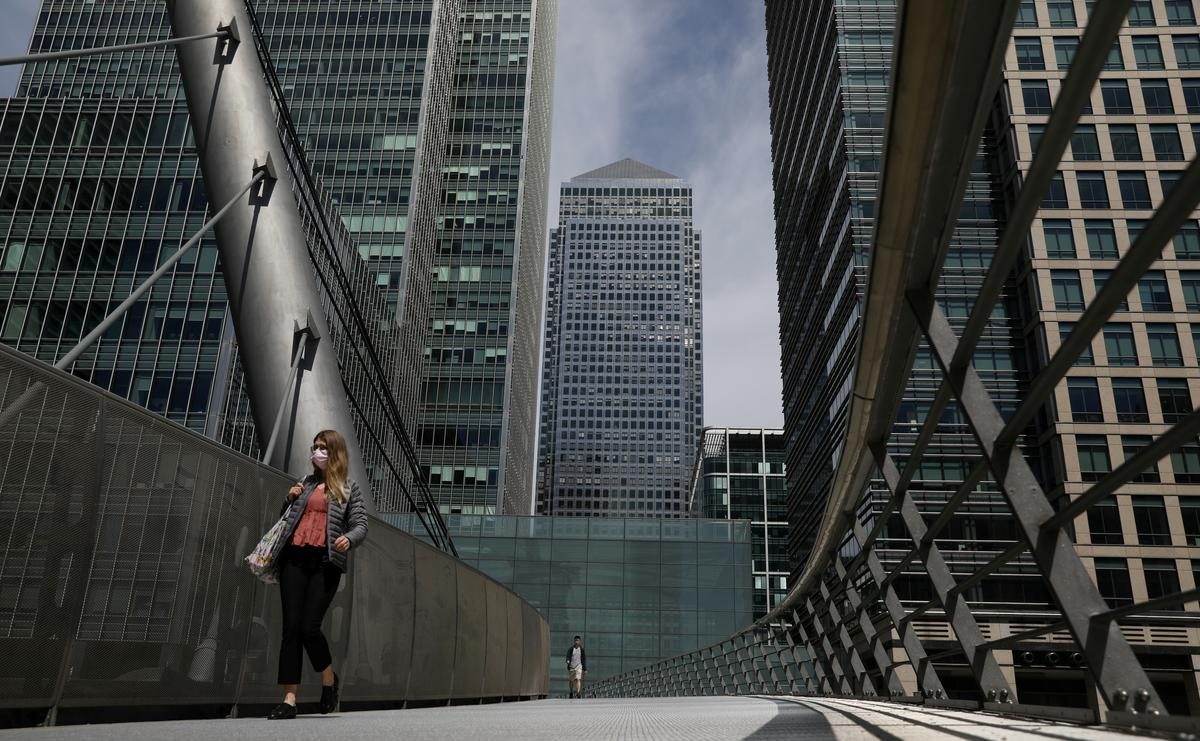 UK to require employers to pay 20-30% of furloughed wage cost