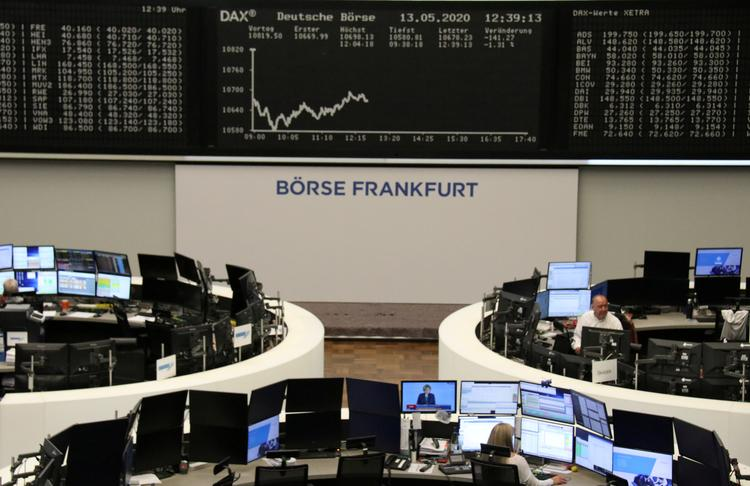 UPDATE 2-German stocks outperform Europe as business morale rebounds