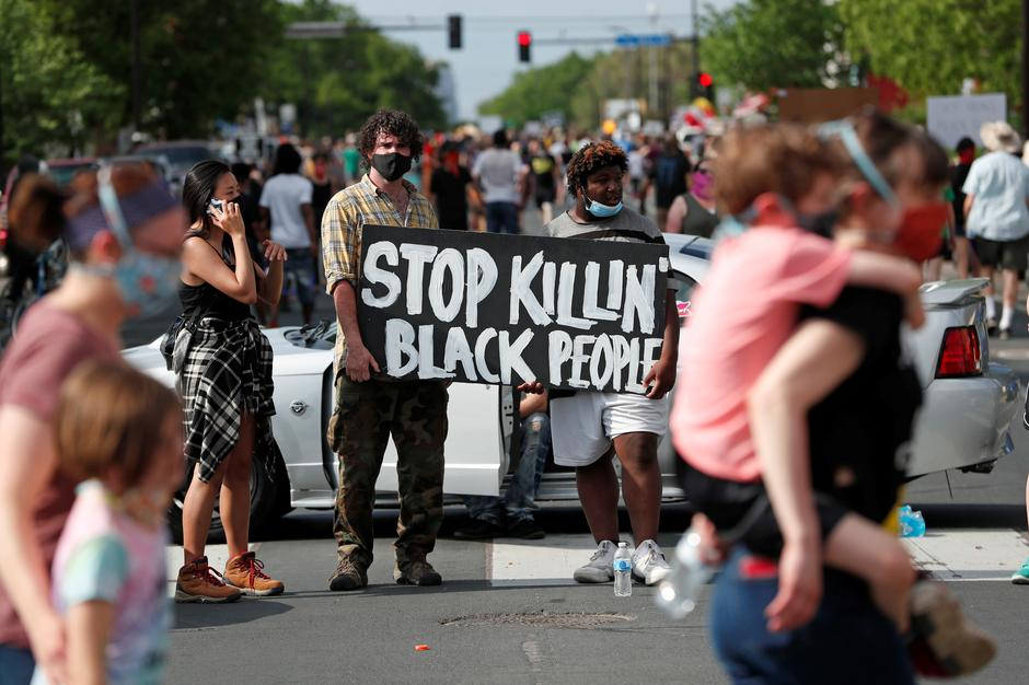 Four Minneapolis policemen fired after death of unarmed black man ...