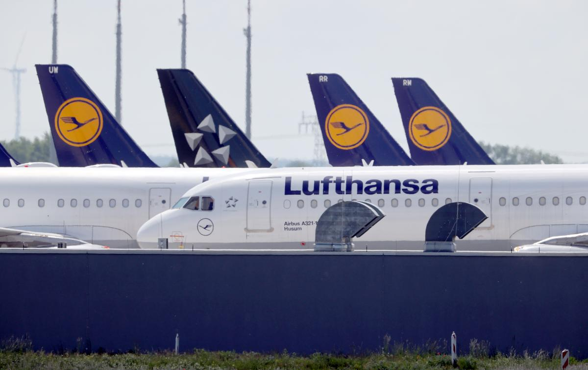 Lufthansa board rejects EU conditions on $10 bln bailout
