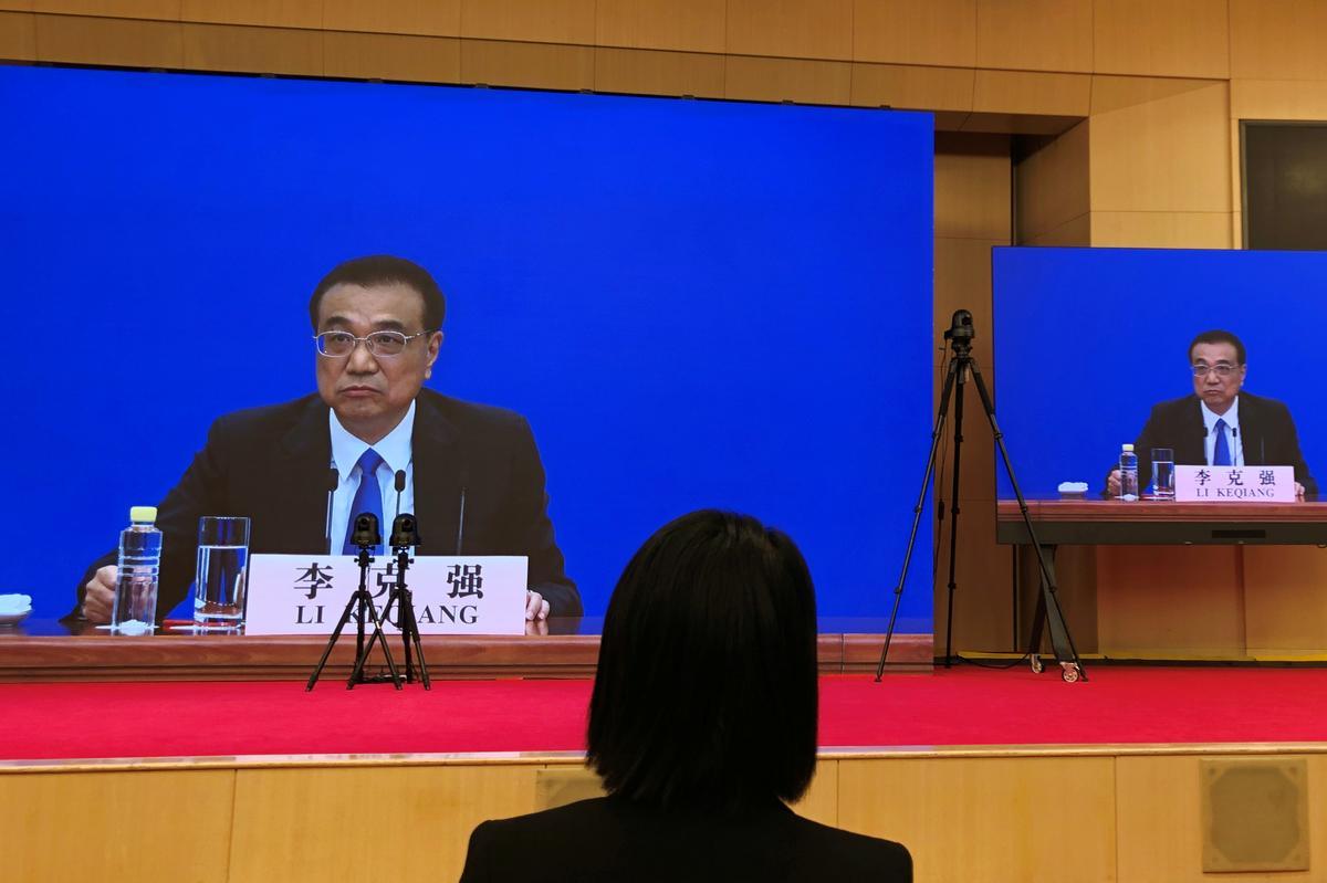 China should remain vigilant against any rebound in COVID-19: Premier Li