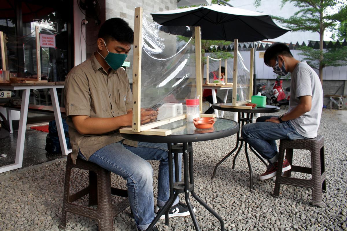 Indonesia reports 557 new coronavirus infections