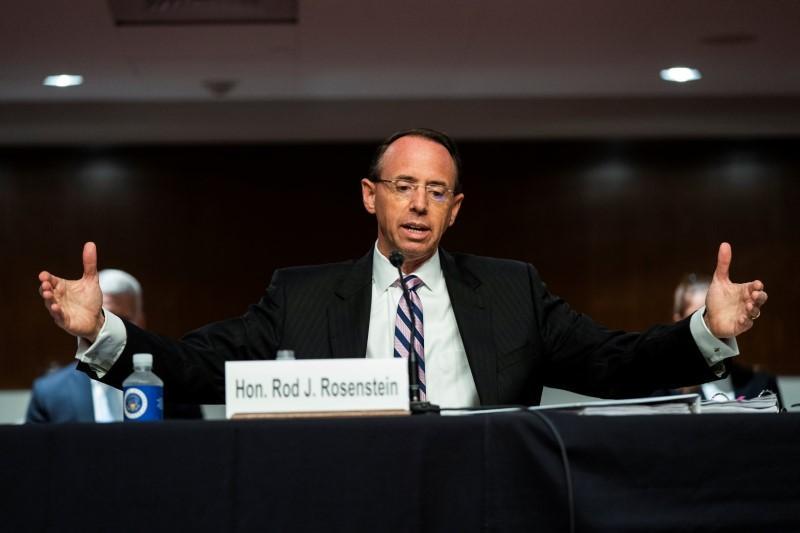 Les républicains font exploser une enquête du FBI en Russie alors que Rosenstein défend Mueller