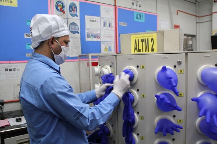 Top supplier Malaysia sees no quick end to shortages in $8 billion gloves industry