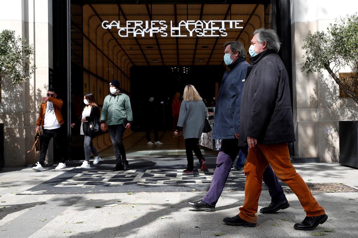 France's new confirmed cases of coronavirus slow down