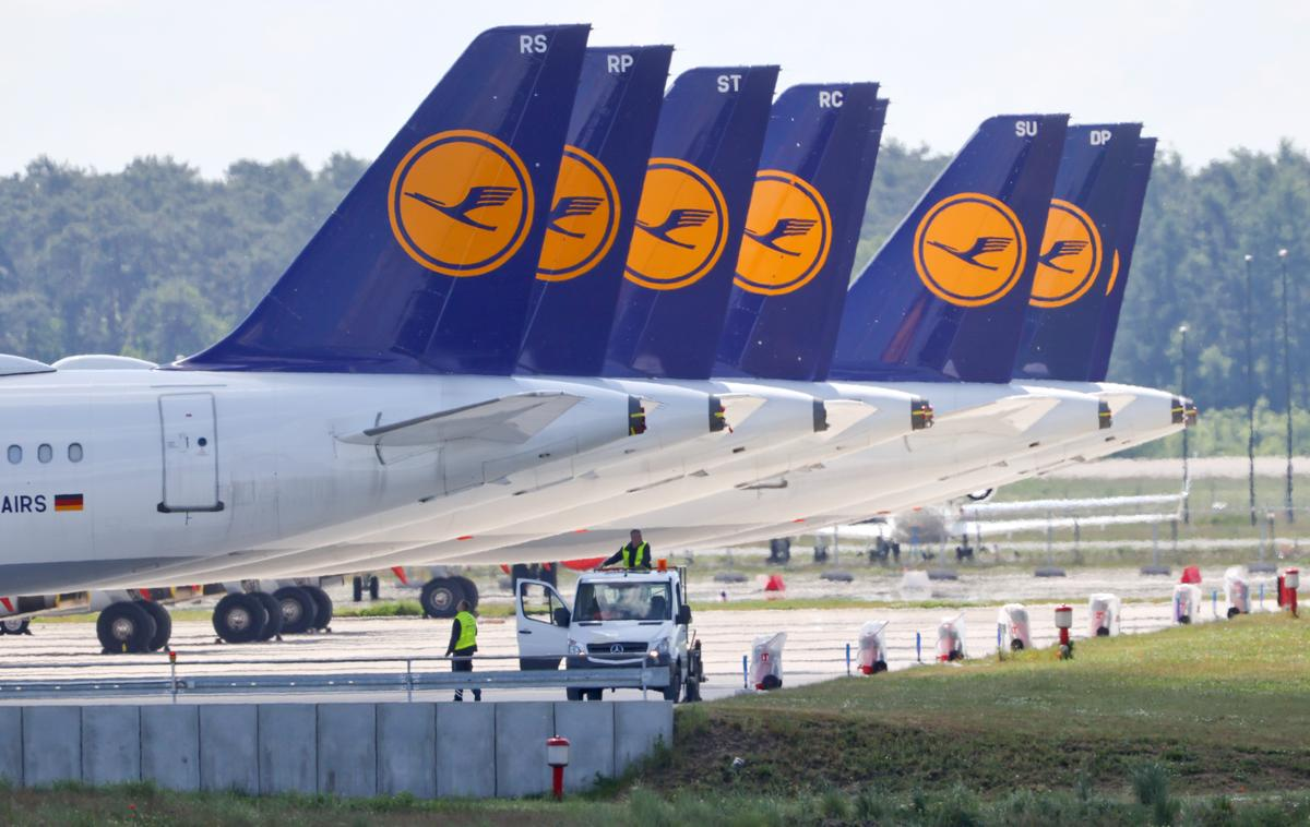 Lufthansa warns of threat to its $10 billion bailout deal