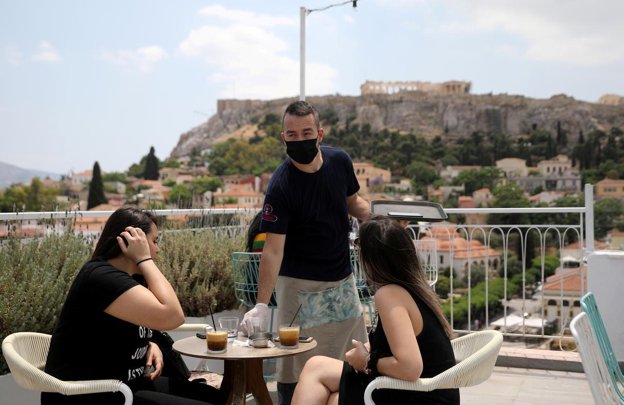 Greece hopes for 'air bridge' with UK ...