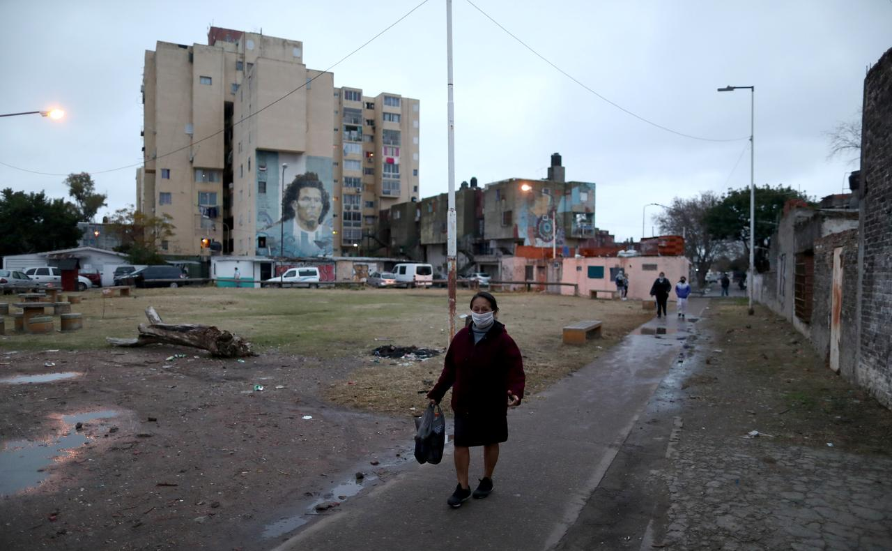Argentina tightens Buenos Aires ...