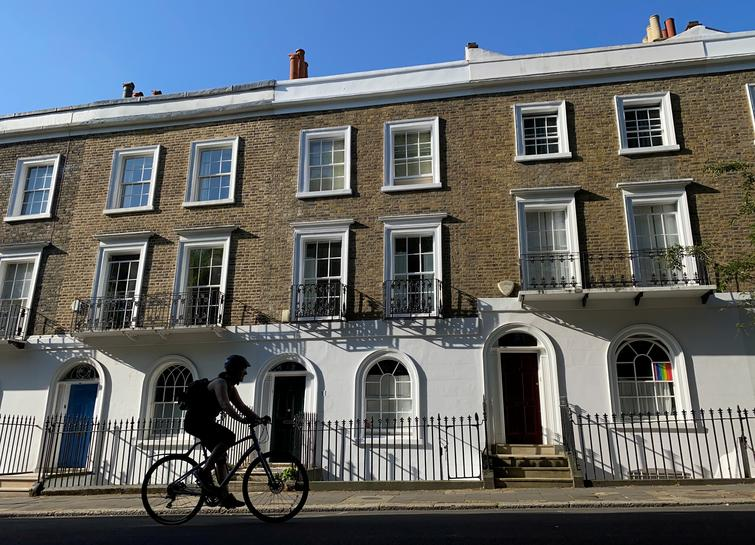 reuters.com - David Milliken - UK gives 3.8 billion pound tax break to housing market