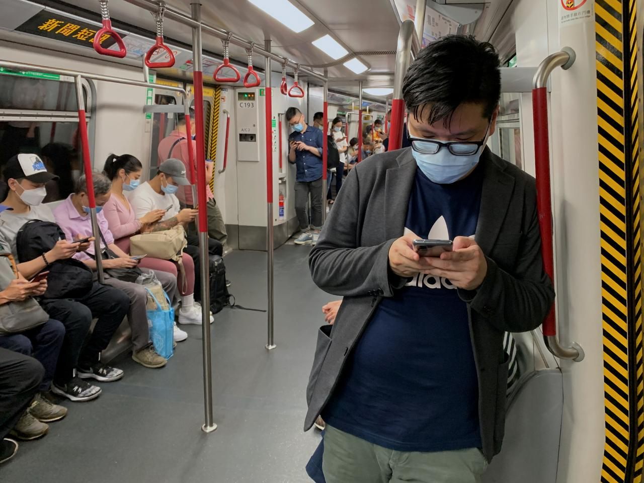 Hong Kong to Impose Most Strict Social Distancing Rules as Coronavirus Cases Surge
