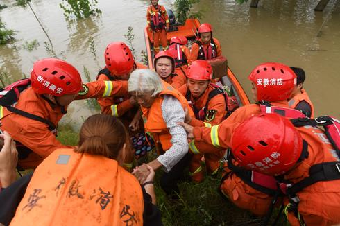 Torrential rains flood China