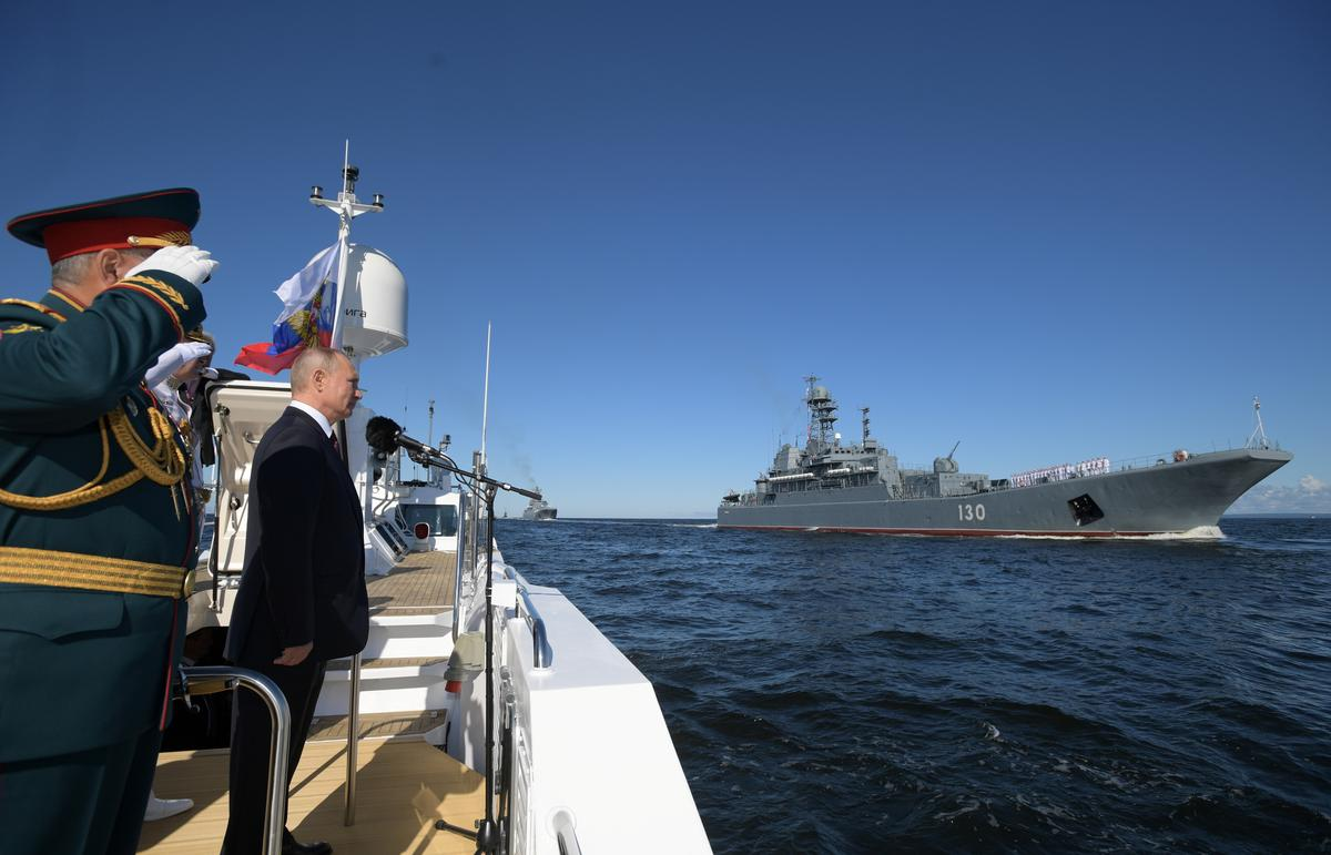 Putin Says Russian Navy is Getting Hypersonic Nuclear Strike Weapons