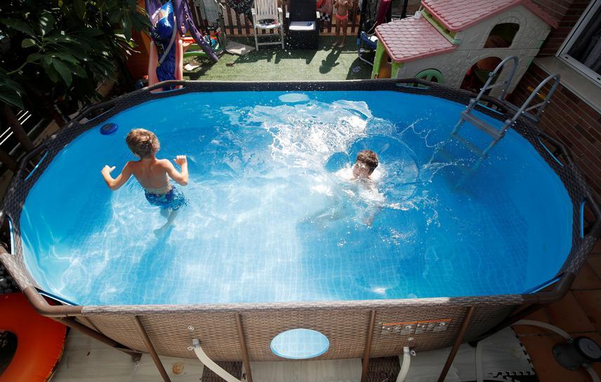 Pool Sales Skyrocket As Consumers Splash Out On Coronavirus Cocoons Reuters