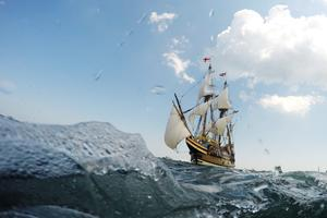 Restored Mayflower sails into Plymouth