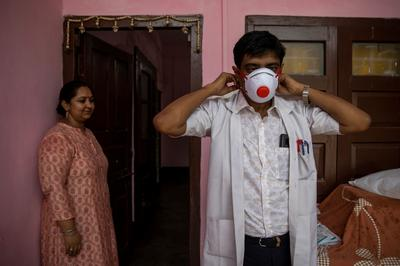 Pandemic pushes Bihar hospital to the brink