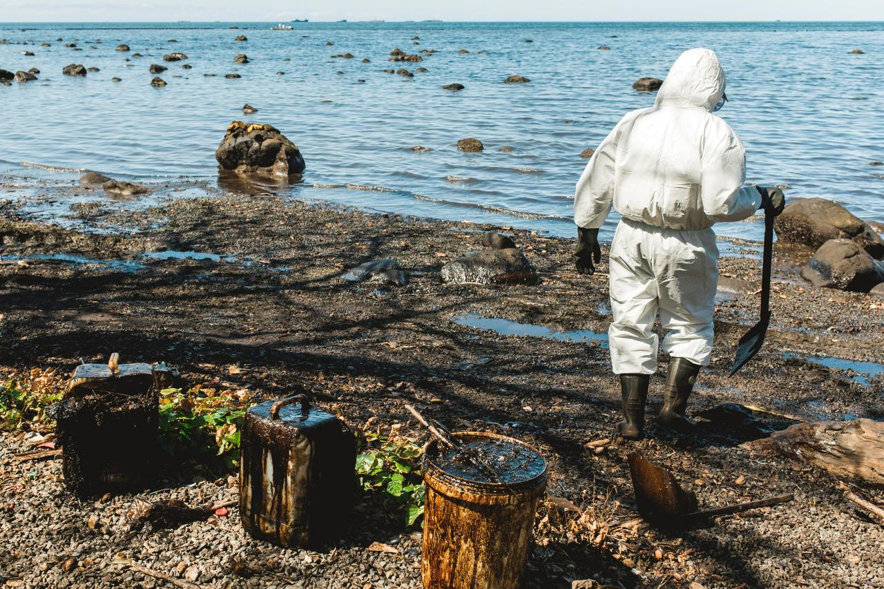 Explainer: Who pays for Mauritius oil spill and how much? - Reuters